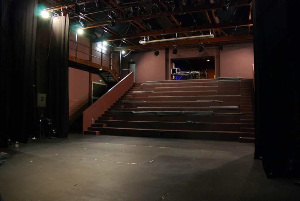 salle de spectacle-scene-2